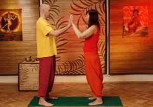 Настройка на партнера - парная йога