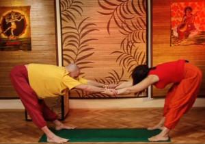 Парная йога - упражнения Для спины и шеи