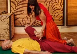 Парная йога - Халасана (поза плуга)