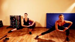 Упражнения для красивых ног - видео подборка