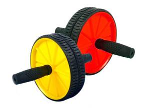 Гимнастический ролик — компактный тренажер для дома