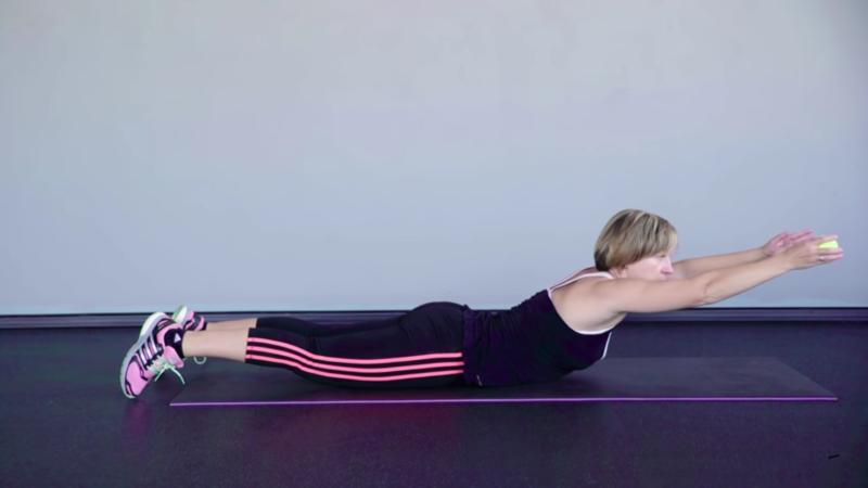 """Женская гимнастика для похудения - Упражнение """"Подъемы корпуса"""""""