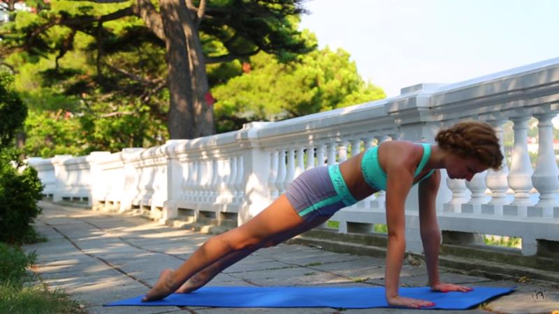 Как убрать живот: упражнения для женщин